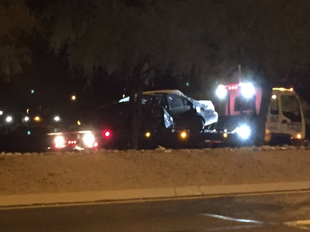 Man dies in rollover near Davis-Mothan