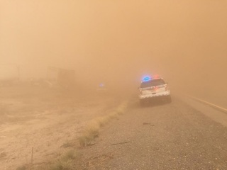 Blowing dust shuts down I-10 at San Simon