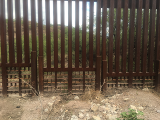 Woman dies in Nogales after border fence fall