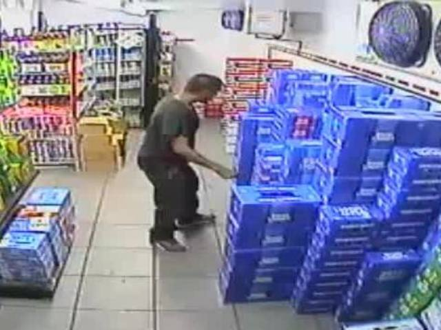 0e54d8bbdbca4 Pima County Sheriff s deputies are looking for two men who allegedly stole  beer from a convenience store.