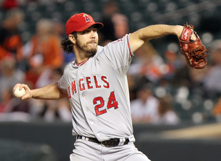 Diamondbacks add Haren as pitching strategist