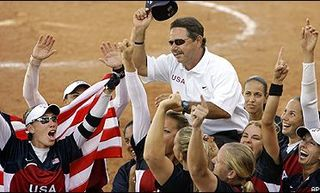 UA Softball's Mike Candrea extended through 2022
