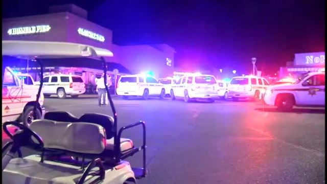 2 killed, 1 injured in Arizona mall shooting