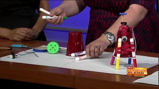 A drawing robot demos Tinkerlab experience