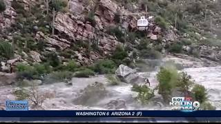 Rescuers save stranded hikers