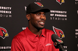 Cardinals place franchise tag on Chandler Jones