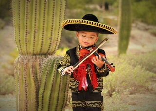 Mariachi munchkin: 3-year-old becomes superstar