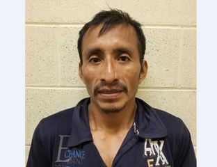 Agents arrest convict who snuck across border