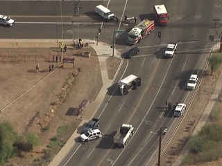 Suspect wounded after shooting by Phoenix police