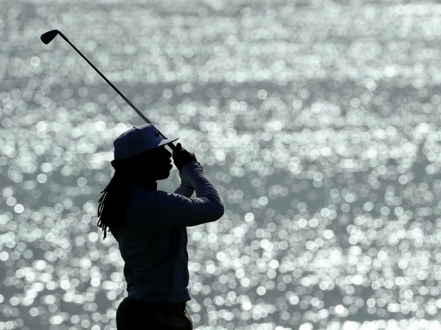 Johnson in hunt for another win, tied with Potter at Pebble