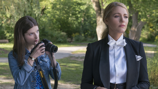 'A Simple Favor' spins a fascinating web
