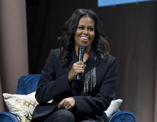 Obama's memoir sells more than 725,000 copies